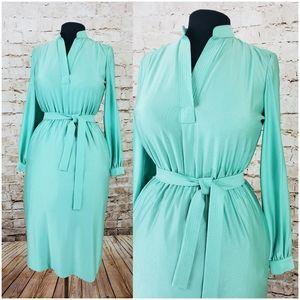 Vintage mint green dress with belt